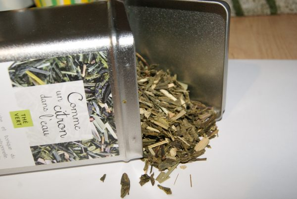 thé vert Comme un Citron dans l'eau